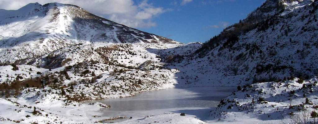 L'étang de Lers gelé en hiver